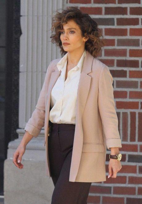 Jennifer Lopez 47 tuoi van tre dep ruc lua - Anh 5