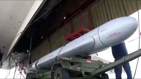 Oanh tac co Tu-95 Nga phong ten lua tam xa Kh-101 o Syria - Anh 2