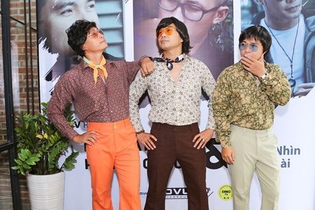 Nhom MTV tiep tuc 'nem da' lang giai tri Viet - Anh 1
