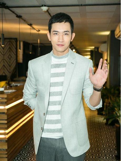 Bao Anh giau ky Ho Quang Hieu trong ngay ra mat MV moi - Anh 3