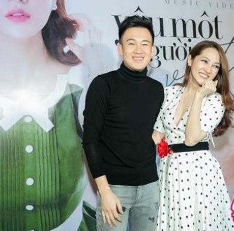 Bao Anh giau ky Ho Quang Hieu trong ngay ra mat MV moi - Anh 6