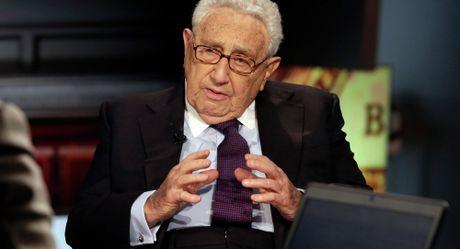 Ong Trump gap cuu Ngoai truong Kissinger thao luan ve Nga, Trung Quoc - Anh 1