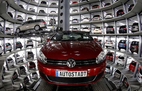 Volkswagen cat giam 30.000 nhan cong cho toi nam 2020 - Anh 1