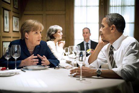 Ong Obama va ba Merkel: Moi tham tinh hiem co - Anh 13