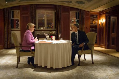 Ong Obama va ba Merkel: Moi tham tinh hiem co - Anh 4