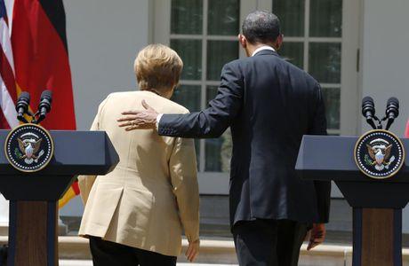 Ong Obama va ba Merkel: Moi tham tinh hiem co - Anh 7