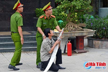 Trang bi nghiep vu phong chay cho khach san Ha Huy - Anh 1
