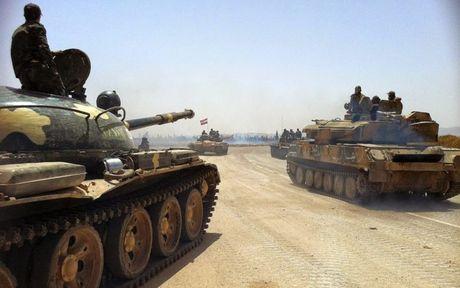 Chien su Aleppo: Nga doi lua, quan doi Syria chuan bi tan cong lon - Anh 1