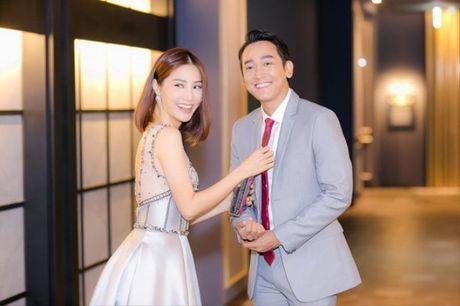 Nhung cap doi dinh nghi an 'phim gia tinh that' cua showbiz Viet - Anh 12