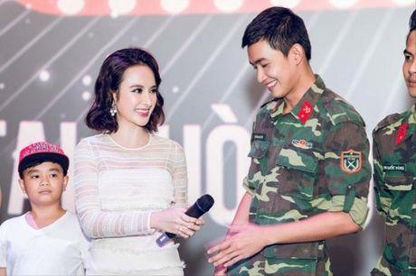 Nhung cap doi dinh nghi an 'phim gia tinh that' cua showbiz Viet - Anh 5