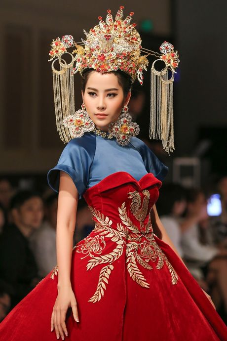 Nam Em hoa 'Hoang hau' quyen uy, lanh lung - Anh 4