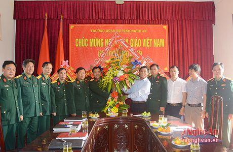Bi thu Thanh uy Vinh chuc mung ngay Nha giao Viet Nam - Anh 2