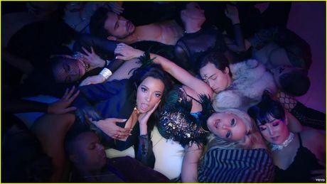 Xem xong MV moi nay con ai dam bao Britney Spears da gia va tan? - Anh 4