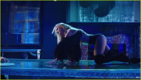 Xem xong MV moi nay con ai dam bao Britney Spears da gia va tan? - Anh 7