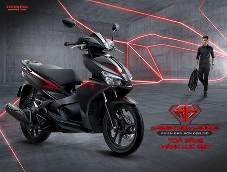 Honda Air Blade 125cc them ban 'den mo': The thao nhung van lich lam - Anh 1