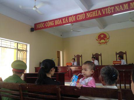 Vu ngat khi ham vang chet 4 nguoi o Quang Nam: Hon 55 thang tu giam cho 4 bi cao to chuc, khai thac vang trai phep - Anh 4