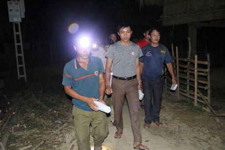 Thay giao loi suoi bang rung 'bat' hoc tro - Anh 14