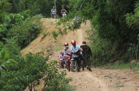Thay giao loi suoi bang rung 'bat' hoc tro - Anh 2