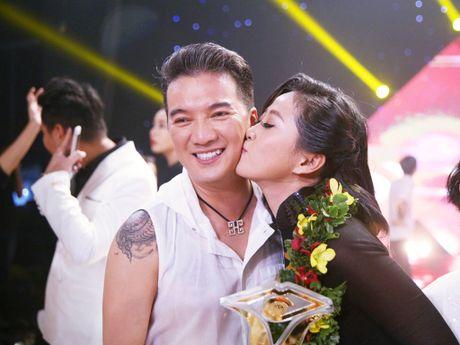 Bien Dam Vinh Hung thanh tho cat toc, Lieu Ha Trinh dang quang 'En vang 2016' - Anh 1