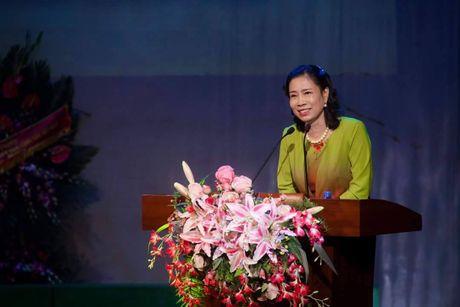 Thu truong Dang Thi Bich Lien du le ky niem Ngay Nha giao Viet Nam tai Truong DH San khau Dien anh - Anh 1