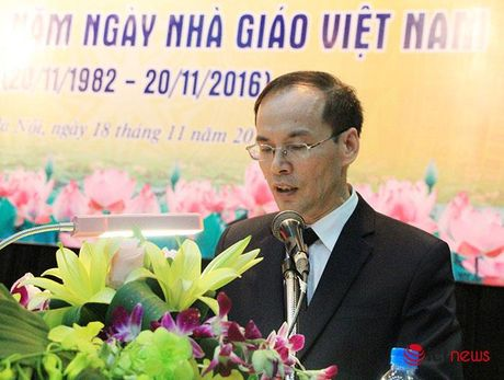 Thu truong Bo TT&TT Nguyen Minh Hong: Hoc vien CNBCVT phai phat trien manh me hon duoi co che tu chu moi - Anh 2