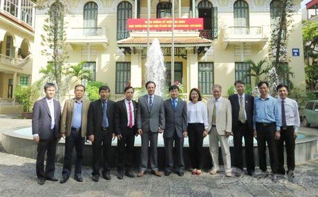 Doan dai bieu truong Dai hoc Hosei Nhat Ban tham MTTQ Viet Nam - Anh 3