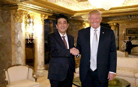 Thu tuong Nhat: 'Toi co niem tin vao ong Donald Trump' - Anh 1