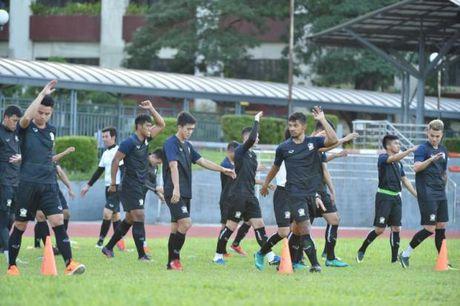 Thai Lan che bai san tap chuan bi cho AFF Cup - Anh 1