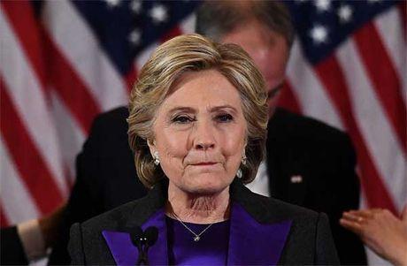 Hillary ngung trau chuot be ngoai sau khi that cu - Anh 3