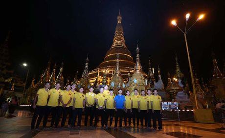 Tin bong da sang 18/11: DTVN di chua Vang cau cup vang AFF Cup - Anh 1