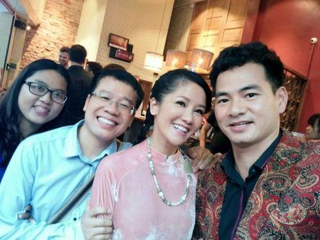 Xuan Bac, Hong Nhung don tiep Hoang tu William - Anh 3