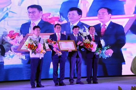 Doosan Vina nhan bang khen cua Thu tuong Chinh phu - Anh 1