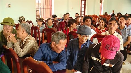 Ngu dan Quang Binh nhan tien chi tra boi thuong cung nhung du tinh lam an - Anh 3