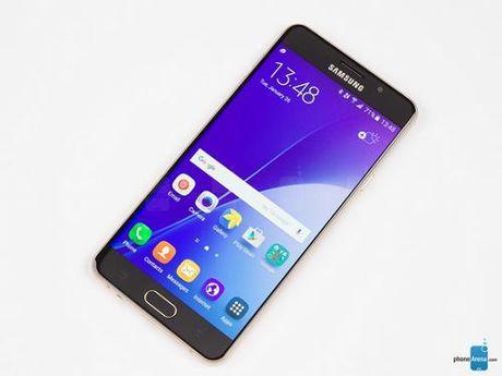 """Samsung Galaxy A7 (2017) se chong nuoc va so huu camera selfie """"khung"""" 16 MP - Anh 1"""