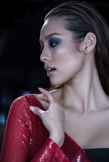Lilly Nguyen do dang voi A hau Kim Nguyen trong thiet ke cua Vincent Doan - Anh 3