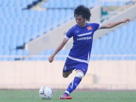 'Ronaldo Thai Lan' canh bao dong doi truoc them AFF Suzuki Cup 2016 - Anh 3