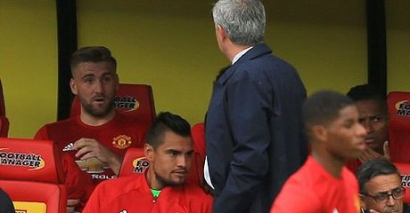 Man United - Arsenal: Mourinho co danh hieu, Wenger co tinh yeu - Anh 1