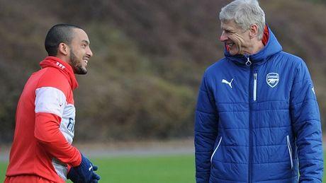 Man United - Arsenal: Mourinho co danh hieu, Wenger co tinh yeu - Anh 3
