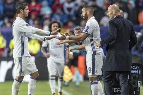 Real Madrid: Alvaro Morata tim cho dung trong cai bong cua Benzema - Anh 3