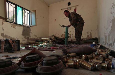 Cac loai vu khi ma IS bo lai khi rut chay tren chien truong Iraq - Anh 10