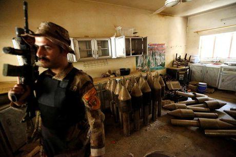 Cac loai vu khi ma IS bo lai khi rut chay tren chien truong Iraq - Anh 11