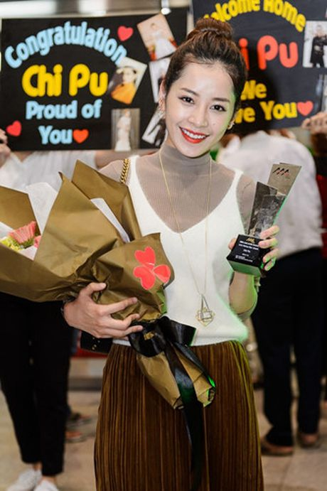 Chi Pu tro ve Viet Nam trong vong vay cua nguoi ham mo - Anh 10