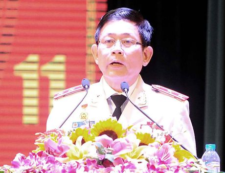 Ong Nguyen Thien Nhan du ky niem 20/11 tai ngoi truong 8 lan Bac ve tham - Anh 11