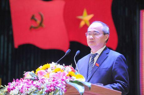 Ong Nguyen Thien Nhan du ky niem 20/11 tai ngoi truong 8 lan Bac ve tham - Anh 3