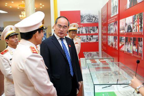 Ong Nguyen Thien Nhan du ky niem 20/11 tai ngoi truong 8 lan Bac ve tham - Anh 7