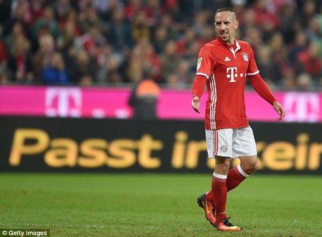 Bayern co nguy co vang nhieu tru cot o 'dai chien' voi Dortmund - Anh 2
