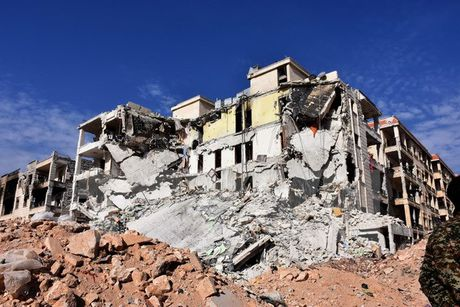 27 dan thuong thiet mang trong cac vu khong kich tai Aleppo - Anh 1