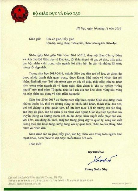 Bo truong Phung Xuan Nha chuc mung cac thay co giao - Anh 1