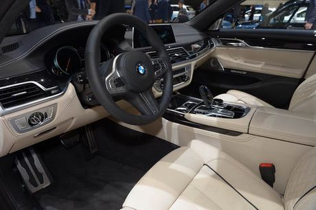 BMW M760Li: Sieu sedan 600 ma luc - Anh 5