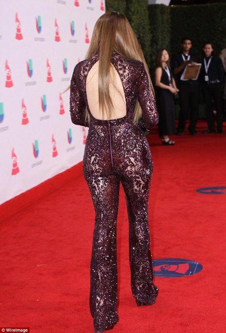 Jennifer Lopez goi cam 'quen sau' o tuoi U50 - Anh 3